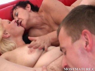 Bisexual mom fucks cock in hot threesome