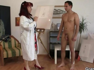 Cock hungry mature paintress takes it from behind