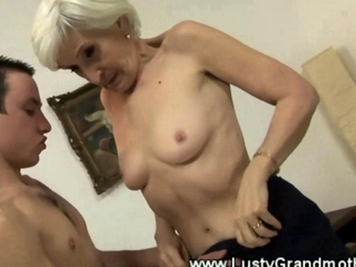 Mature granny in stockings gets fucked in her hairy pussy