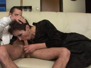 Mature granny amateur fucking lucky guy in high def