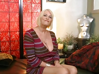 granny Rose Marie loves rough anal