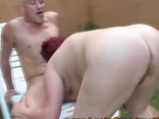 Granny amateur GILF banged outdoors