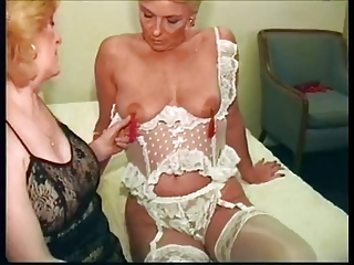 Legendary star porno!! Kitty in the lesbian film