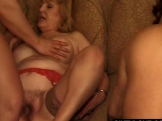 Groupsex with mature getting cunt fucked